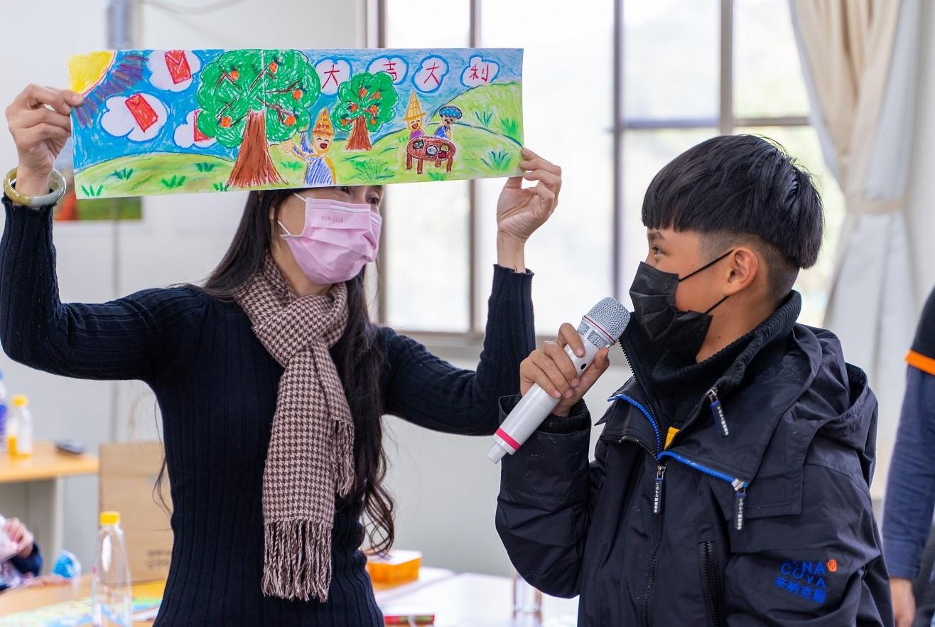 中原大學攜手city'super「一日農夫體驗」 邀請失親兒採果彩繪傳遞夢想