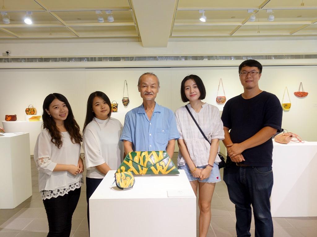 數學皮雕藝術家劉孝謙認同中原全人教育 捐贈35年典藏作品