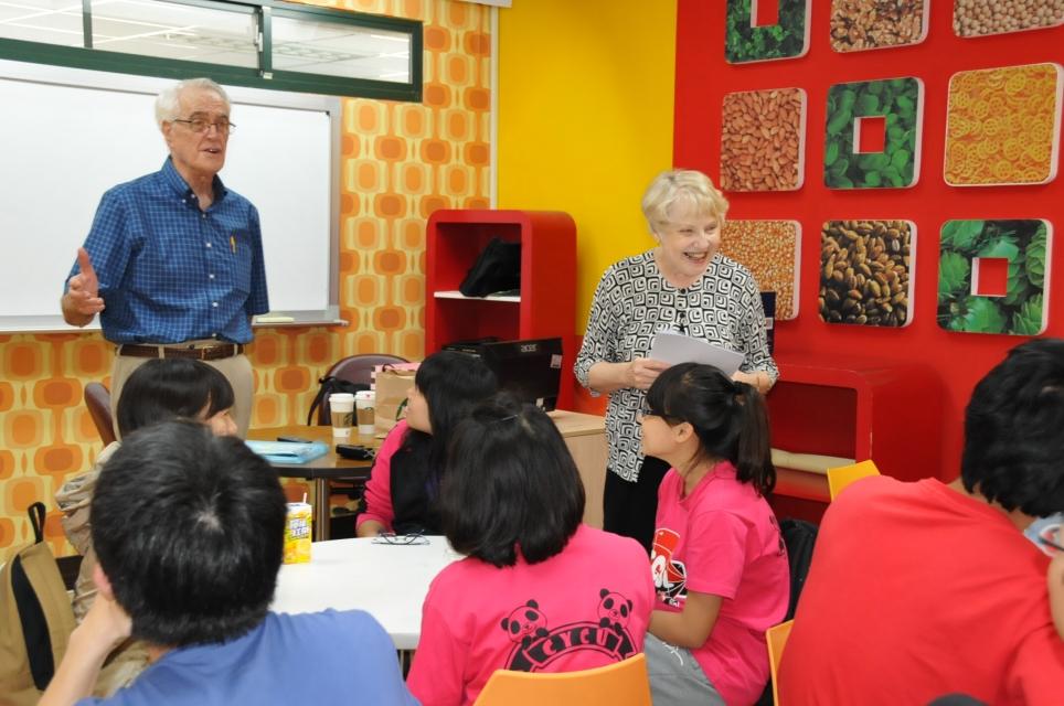 美籍老師Abels熱愛中原 退休當志工教英文