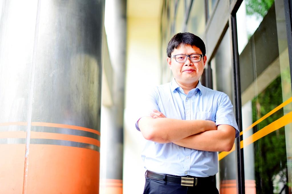 106優良導師系列報導─電子系陳世綸:人在逆境之中,才顯大英雄本色!