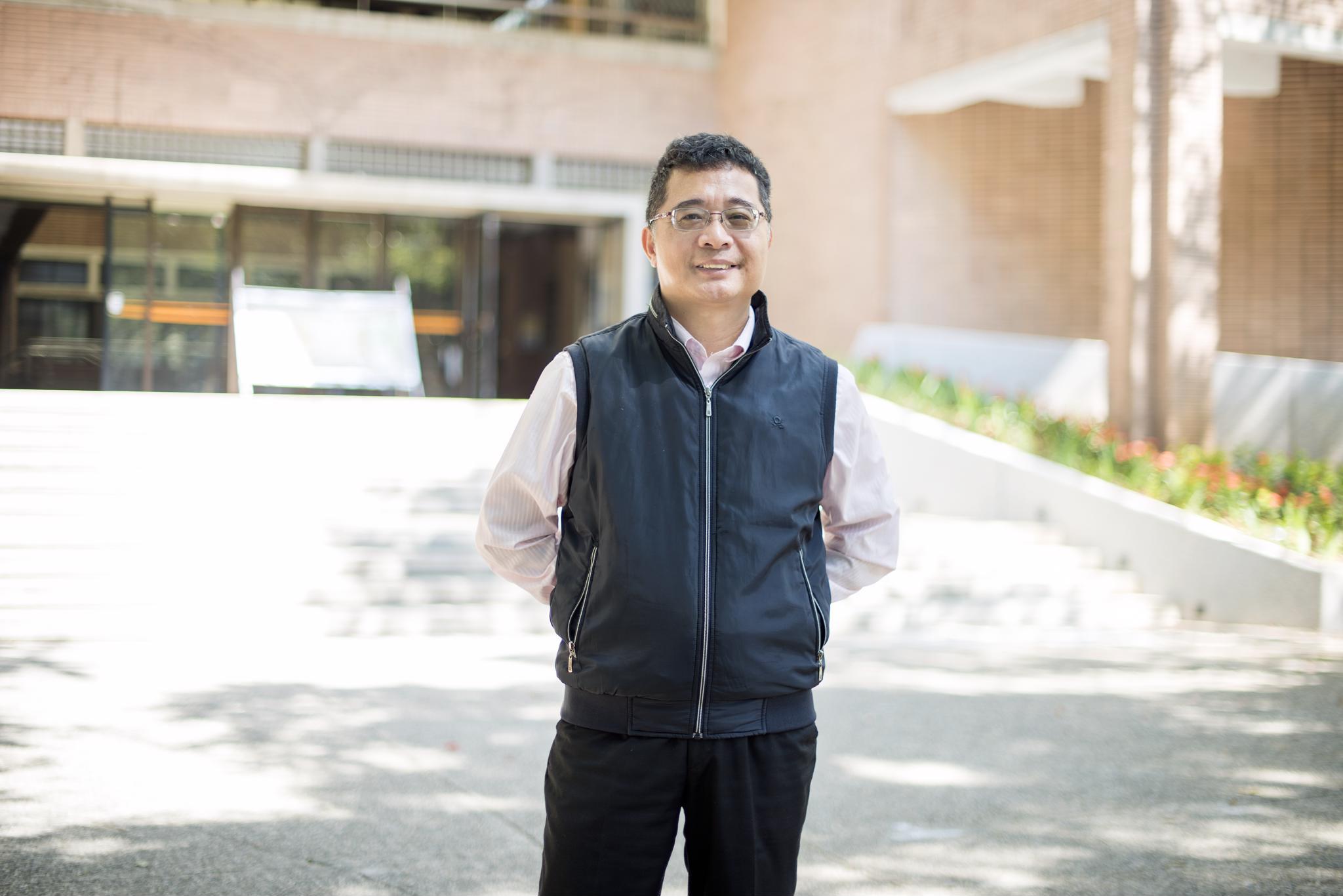 《107學年度優良導師專題報導》 化學系葉瑞銘:人生需要挫折,挫折是成長的養分!