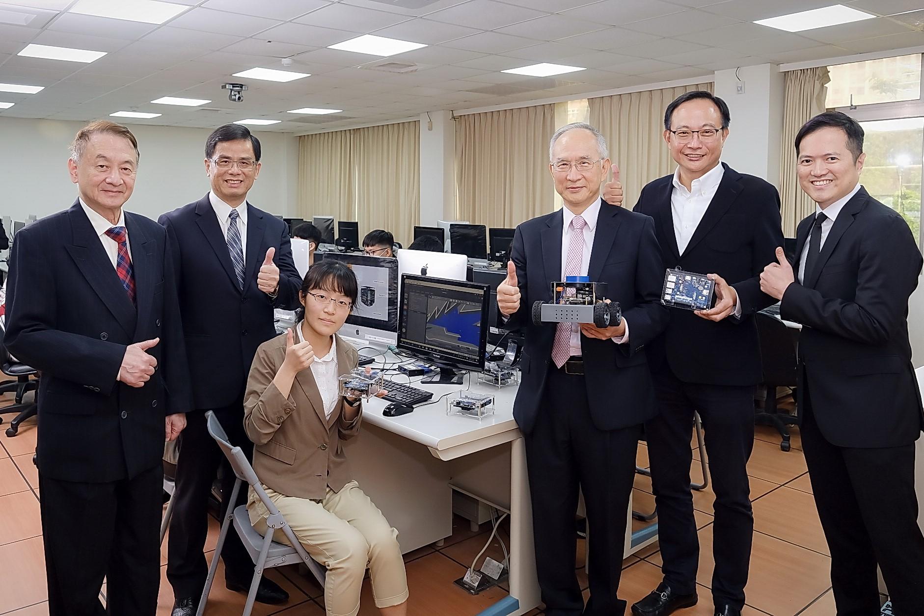 《中時新聞網》挺進5G+AI 中原偕英特爾、鴻海育專才 長庚攻智慧醫療平台