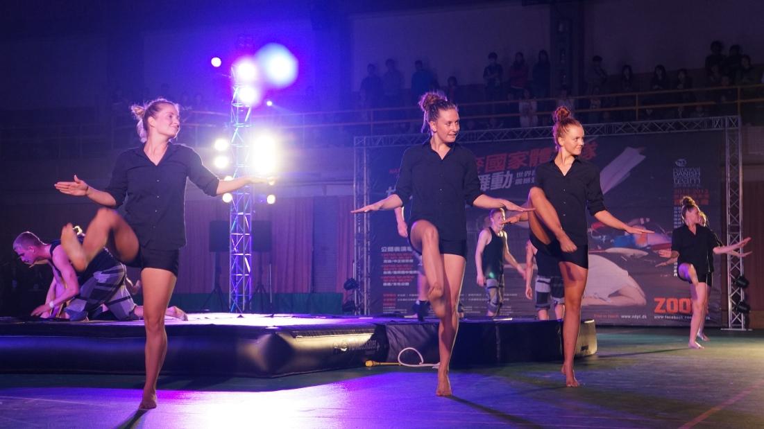 力與美饗宴 丹麥體操表演隊在中原大學掀熱潮
