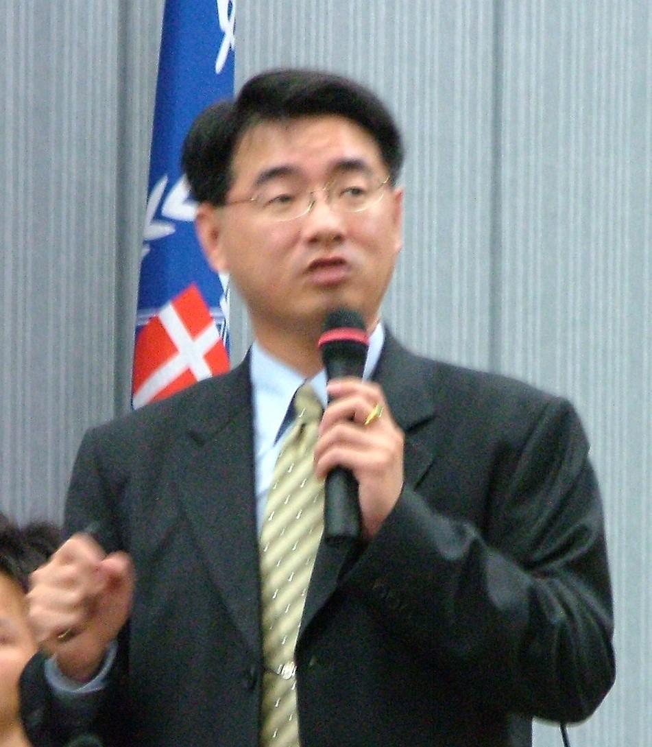 104人力銀行經理黃郁仁蒞校 - 談「台灣就業市場分析」