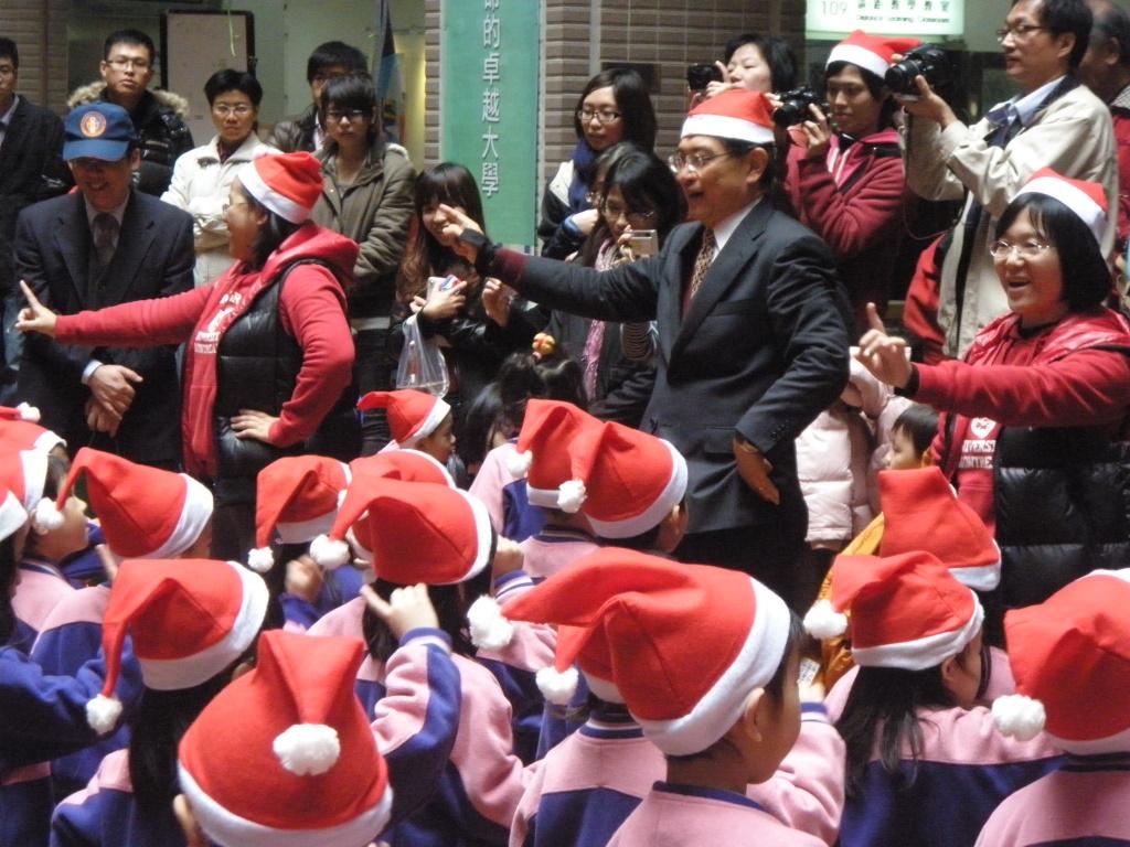 中原歡度聖誕 系列活動點亮心中明燈