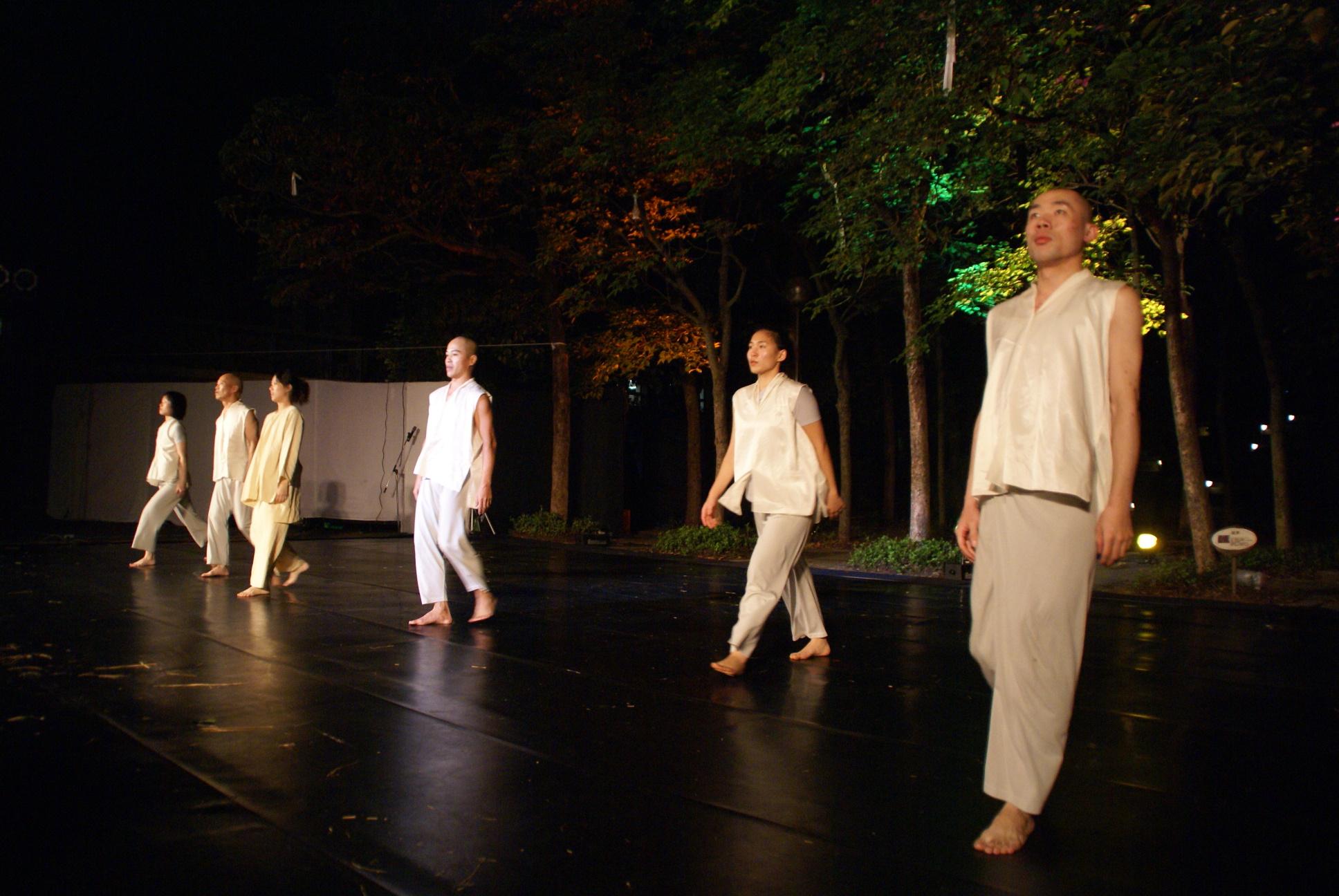 老樟同學會 光環舞集藉由舞蹈傳遞對生命的尊重